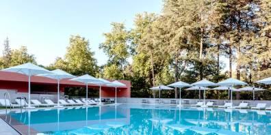Outdoor_Swimming_Pool_Portugal_Vidago_Palace_Prestigious_Venues