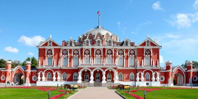 petroff-palace-best-venue-for-events-moscow-russia-prestigious-venues