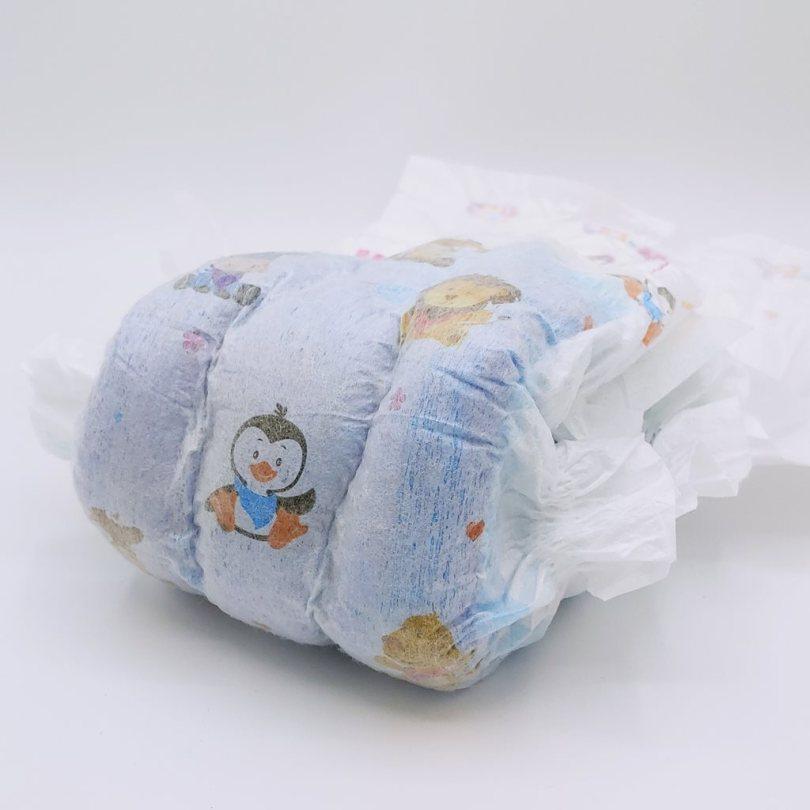 Die Außenseite der Hipp Babysanft Windeln Größe 6 nach dem Saugstärketest