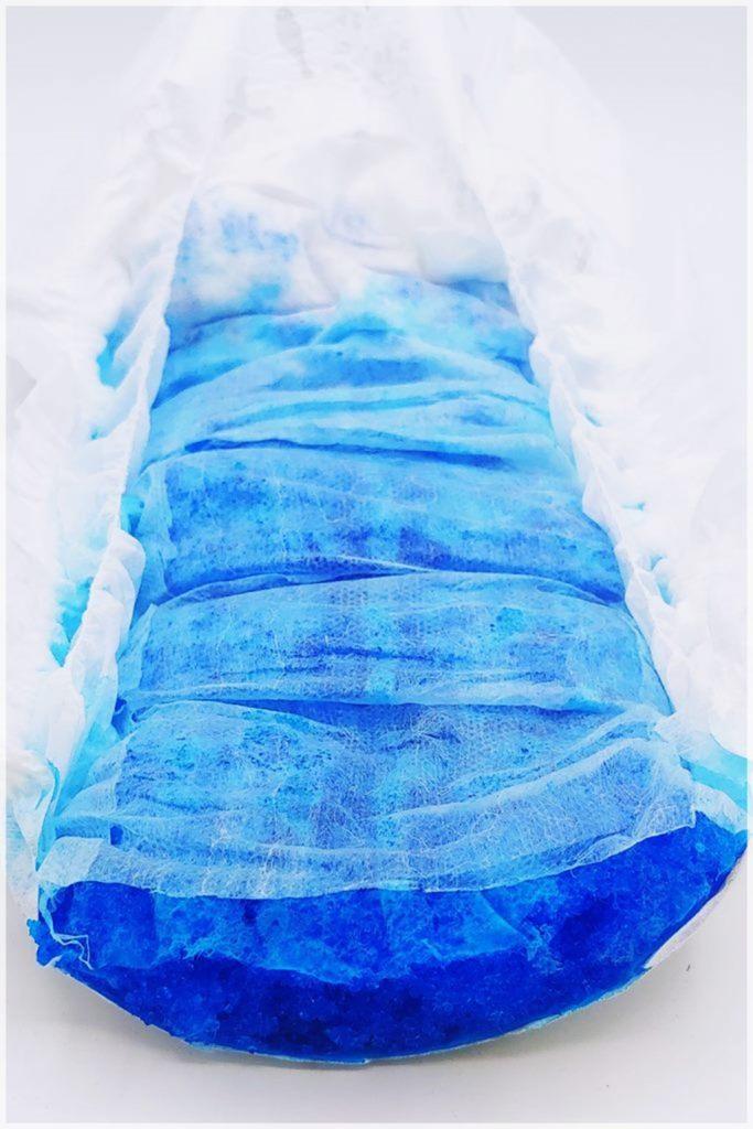 Blau eingefärbte Saugkörper ohne Trockenlage