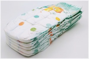 5 Pampers baby-dry Größe 8 übereinander gestapelt