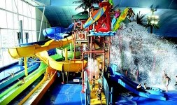 The Five Top Indoor Waterparks in Canada