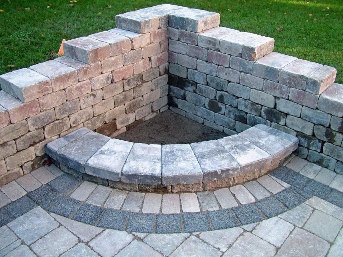 Budget DIY Backyard Fire Pit Ideas | Fire Pit Design Ideas on Backyard Fire Pit Ideas Diy id=82516