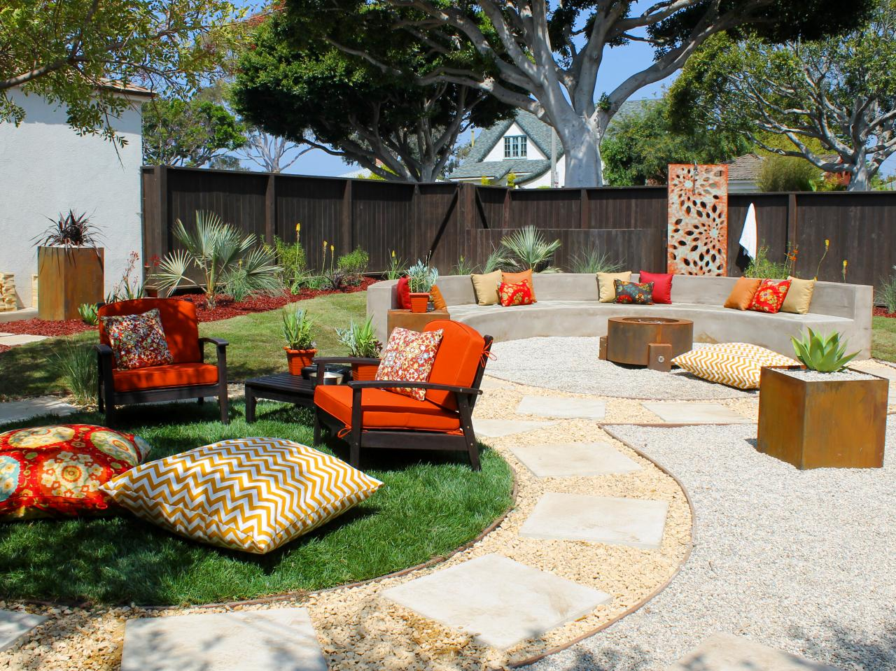 DIY backyard fire pit: Home-made Ideas to Build Outdoor ... on Backyard Fire Pit Ideas Diy id=27321