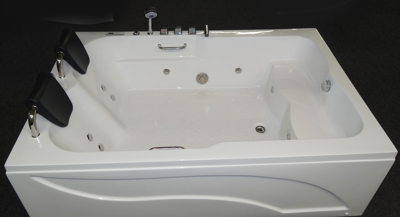 2 PERSON Deluxe Computerized Whirlpool Jetted Bathtubs