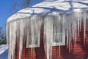 3 major types of damage caused by ice in gutter guard