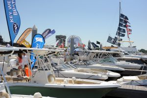 How do I plan to visit a boat show