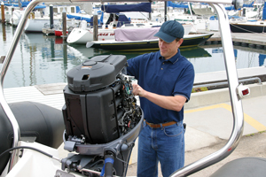 How to change oil on outboard boat motor