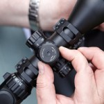 Can a hunter manage a single rifle scope
