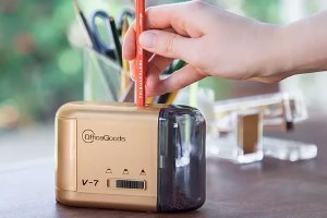 how do electric pencil sharpeners work