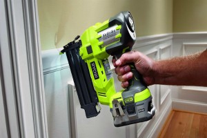 how does an electric brad nailer work