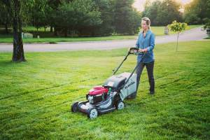 11 Tips for Mowing the Lawn