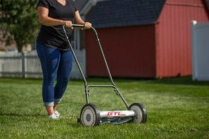 Best Reel Mower for Large Lawns Review