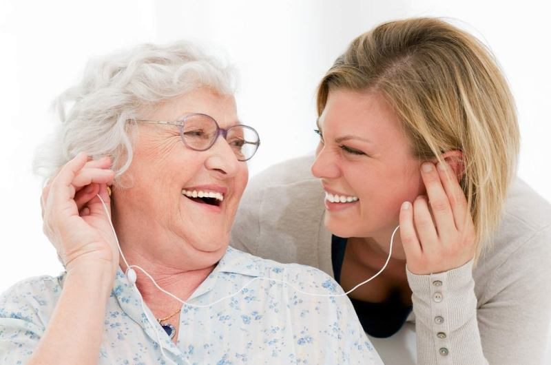 Best Hearing Amplifiers for Seniors