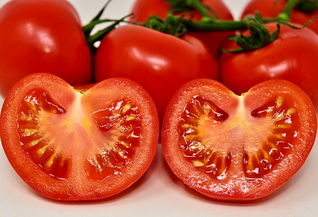 tomatoes - Best Fruits to eat for Acne - Get Rid from Acne Scars with Fruits