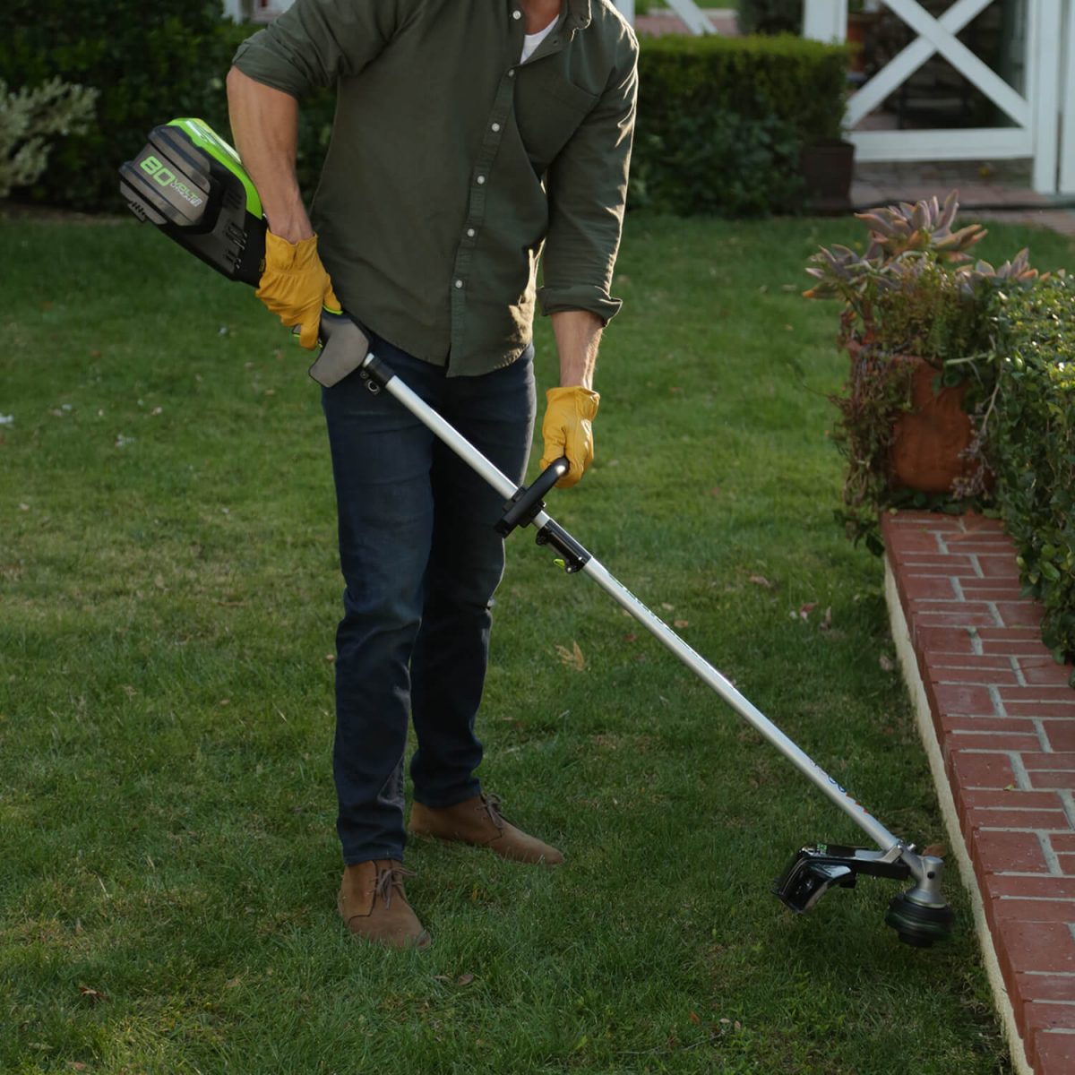 Battery Powered Weed Eater/String Trimmer