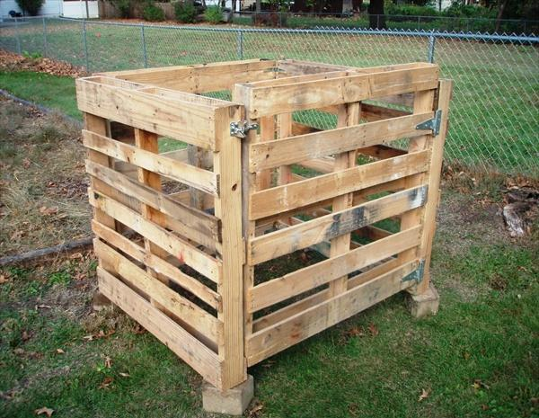 Pallet compost bin with door - Best Home Gear