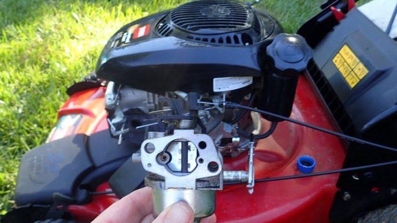 clean lawn mower carburetor -