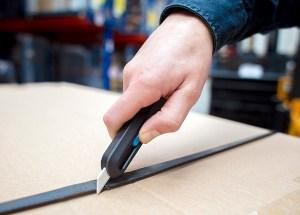 smart retracting utility knife - best home gear