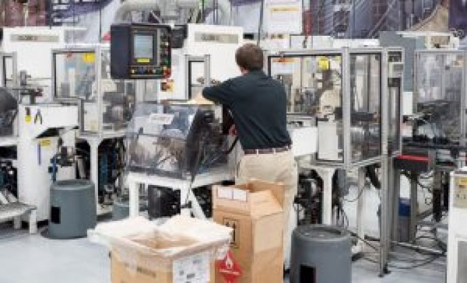 dewalt-usa-motor-manufacturing-equipment