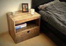 CREATE BRILLIANT PALLET WOOD NIGHTSTAND