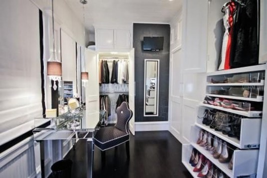 Amazing Closet Room Design Ideas For The Beauty Of Your Storage46