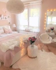 Attractive Teenage Bedroom Decorating Ideas For Comfort In Their Activities19
