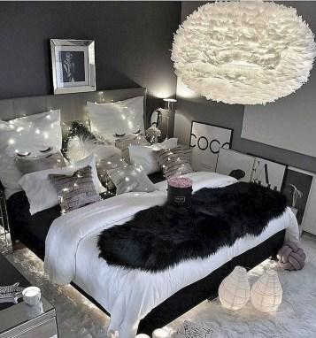 Attractive Teenage Bedroom Decorating Ideas For Comfort In Their Activities31