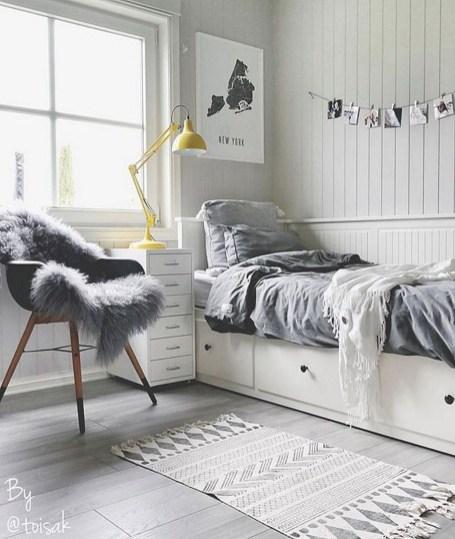 Attractive Teenage Bedroom Decorating Ideas For Comfort In Their Activities35