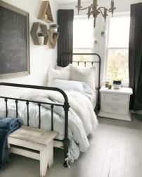 Attractive Teenage Bedroom Decorating Ideas For Comfort In Their Activities40