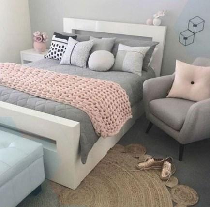 Attractive Teenage Bedroom Decorating Ideas For Comfort In Their Activities45