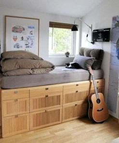 Awesome Bedroom Storage Ideas For Small Spaces43