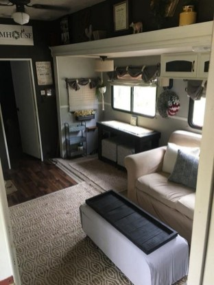 Gorgeous Rv Living Decoration For A Cozy Camping Ideas17