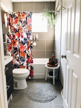 How To Decorate Your Small Bathroom Become More Comfortable And Beautiful33