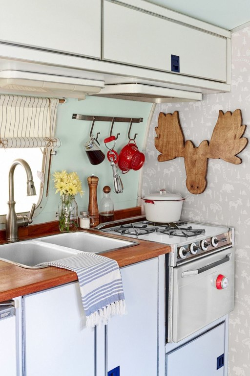 Super Creative Diy Rv Renovation Hacks Makeover28