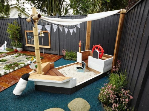 Amazing Backyard Decoration Ideas For Comfortable Your Outdoor39