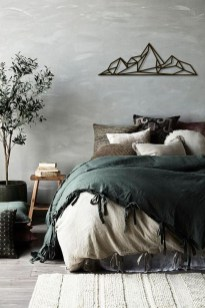 Amazing Winter Bedroom Decorating Ideas For Your Comfortable Sleep19