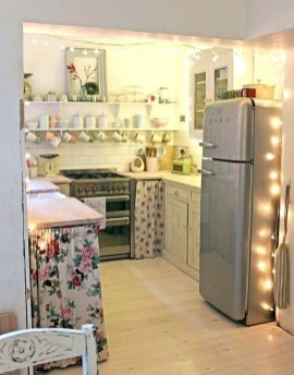 Attractive Small Kitchen Decorating Ideas On A Budget16