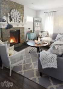 Attractive Winter Living Room Decoration Ideas For Warmth In The House11