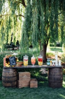Awesome Outdoor Mini Bar Design Ideas You Must Have For Small Party11