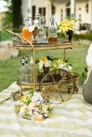 Awesome Outdoor Mini Bar Design Ideas You Must Have For Small Party21