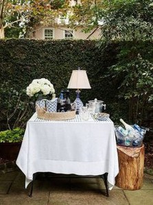 Awesome Outdoor Mini Bar Design Ideas You Must Have For Small Party34