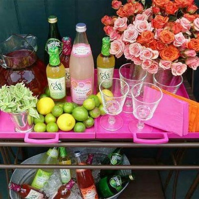 Awesome Outdoor Mini Bar Design Ideas You Must Have For Small Party37