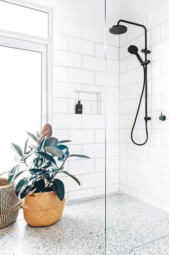 Beautiful Minimalist Bathroom Design Ideas For Your Home46