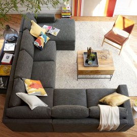 Beautiful Sofa Ideas For Your Small Living Room29