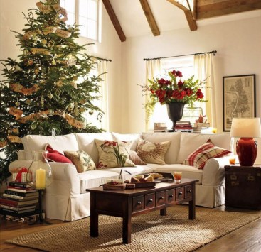 Best Christmas Living Room Decoration Ideas For Your Home19