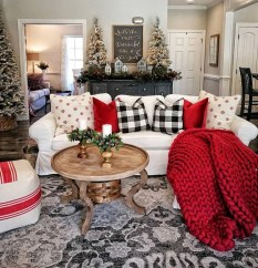 Best Christmas Living Room Decoration Ideas For Your Home25
