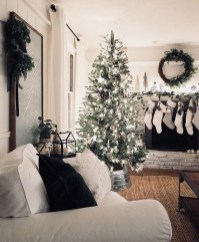Best Christmas Living Room Decoration Ideas For Your Home28