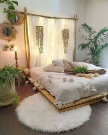 Chic And Warm Minimalist Bedroom Interior Ideas For Feel Comfort03