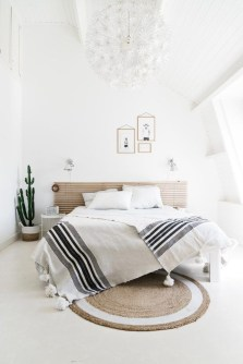 Chic And Warm Minimalist Bedroom Interior Ideas For Feel Comfort17
